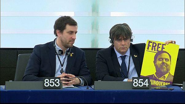 Los independentistas catalanes Puigdemont y Comín se estrenan como eurodiputados
