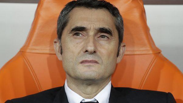El técnico del Barcelona Valverde, despedido tras la eliminación en la Supercopa de España