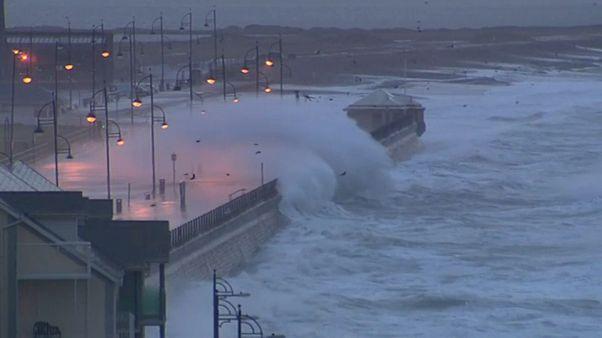 130 km/h-Böen: Sturm Brendan trifft auf Irland und Großbritannien