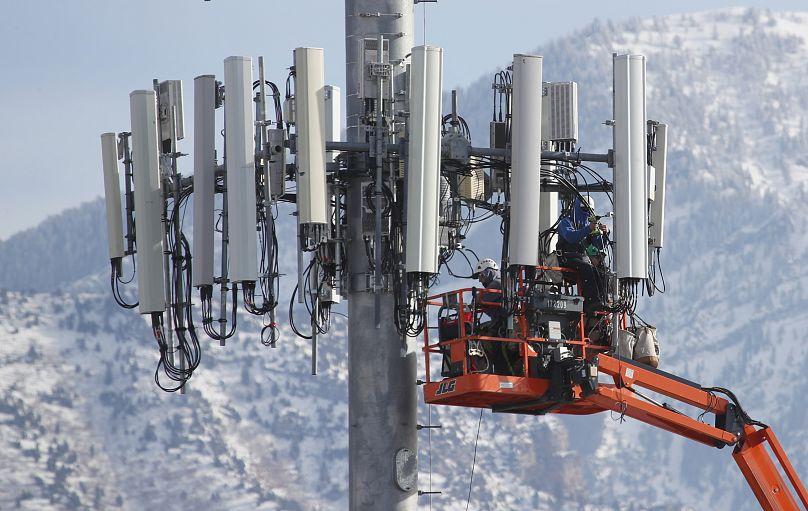 5G teknolojisi hakkında bilmemiz gereken 2 büyük tehlike: Radyasyon ve  güvenlik açığı   Euronews
