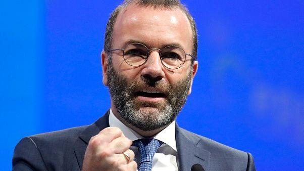 Weber: nem kérünk leckéket Orbántól