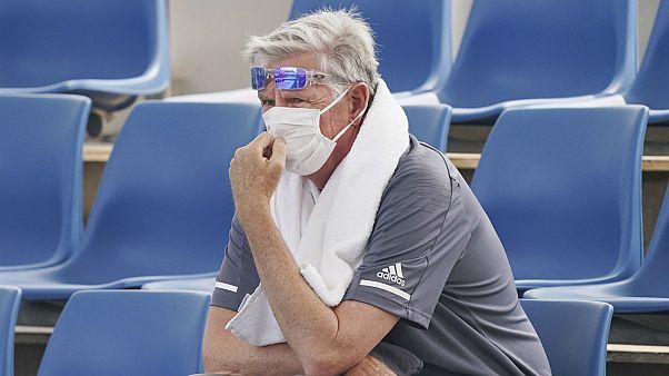 شاهد: دخان الحرائق يخيم على بطولة أستراليا المفتوحة