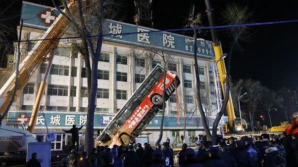 Çin'de çöken otobüs