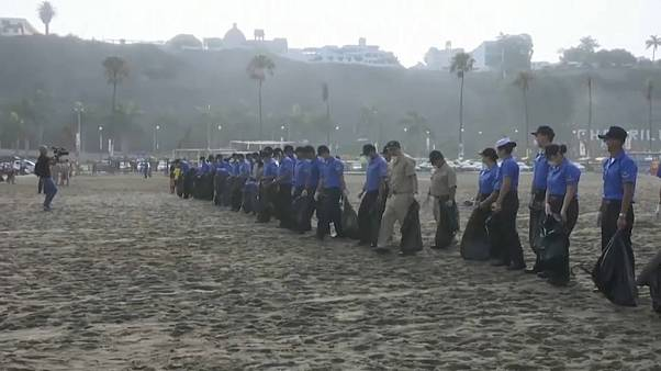 Massive beach clean up campaign from Peru's Pacific beaches to Lake Titicaca