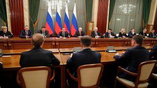 استقالة مفاجئة للحكومة الروسية بعد دعوة بوتين الى اصلاحات