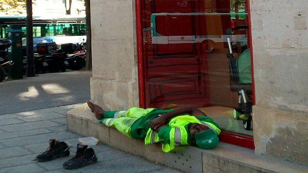 Fransa: Mola sırasında kaldırıma uzanarak dinlendiği için kovulan temizlik işçisi hakkını arıyor