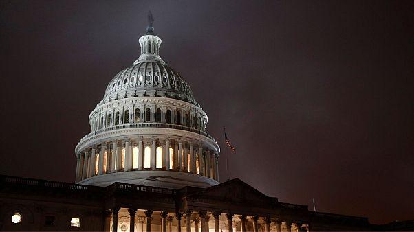 مجلس نمایندگان آمریکا با ارسال طرح استیضاح دونالد ترامپ به سنا موافقت کرد