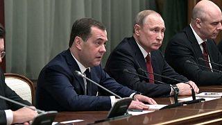 Dmitri Medvedev et Vladimir Poutine à Moscou, le 15 janvier 2020.