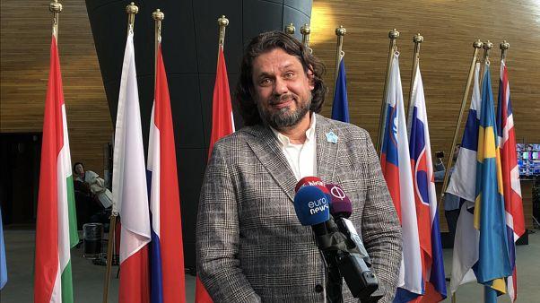 Lengyel konzervatívok: nem szeretnénk új frakciót