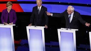 14/01/2020 المرشح الرئاسي الديمقراطي السناتور بيرني ساندرز، والسيناتور إليزابيث وارين، ونائب الرئيس السابق جو بايدن