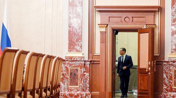 Что означает отставка российского правительства?