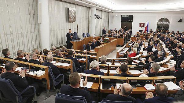 Varşova'daki Polonya Senatosu'nda Cumhurbaşkanı Andrzej Duda senatörlere sesleniyor