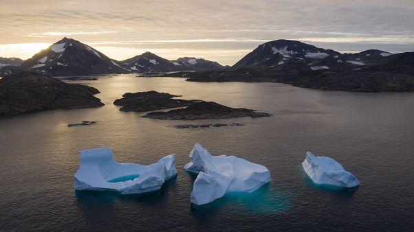 Grönland'da eriyen buzul