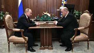 بوتين يعين رئيس دائرة الضرائب رئيساً جديداً للوزراء خلفاً لمدفيديف