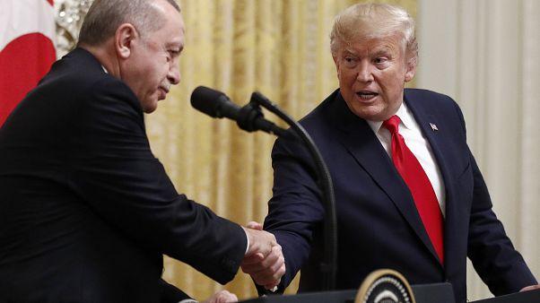 """Τηλεφωνική επικοινωνία Τραμπ - Ερντογάν για τη Λιβύη μετά το """"χαστούκι"""" από το Στέιτ Ντιπάρτμεντ"""
