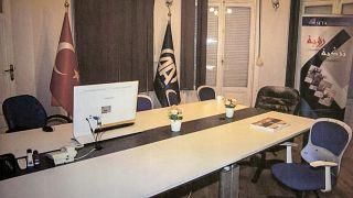Τα γραφεία του Πρακτορείου Ανατολού στο Κάιρο μετά τη σύλληψη των τεσσάρων εργαζομένων από τις αρχές της Αιγύπτου.