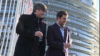 La Eurocámara podría quitar la inmunidad a Puigdemont y Comín