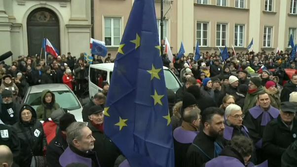 Juízes europeus manifestam-se na Polónia