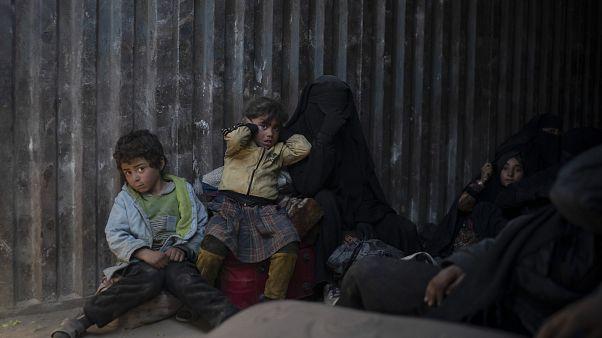 تقرير: أطفال سوريا حرموا من طفولتهم وأرغموا على المشاركة في الحرب