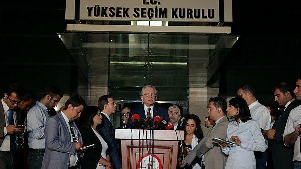 YSK'dan seçim kararları: Seçime katılabilecek siyasi partiler açıklandı