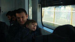 Nuri Tuğral oğluyla birlikte hapisteki eşini ziyarete gidiyor