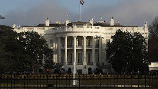 """هيئة رقابية أمريكية: البيت الأبيض """"انتهك"""" القانون بتعليق مساعدات لأوكرانيا"""