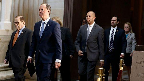 بررسی پرونده دو مادهای استیضاح دونالد ترامپ با تحویل به سنا بهطور رسمی کلید خورد