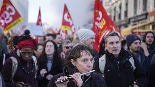 Manifestantes en la ciudad de Lyon, Francia, el 16 de enero de 2020.