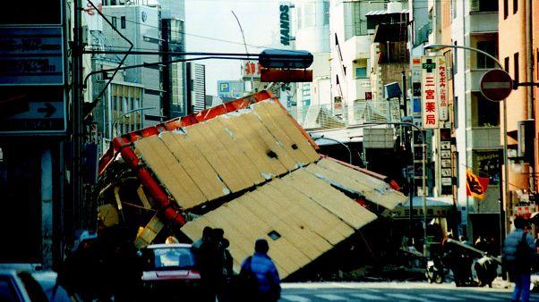 Il Giappone si ferma a 25 anni dal sisma di Kobe