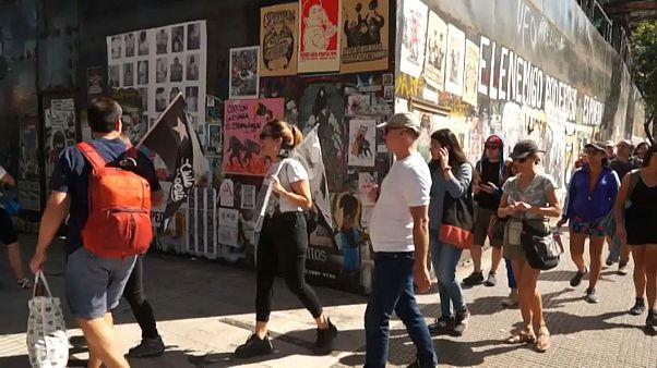 Las pintadas de las protestas en Chile: un recorrido turístico estremecedor
