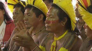 Indígenas reunidos contra projetos de Bolsonaro para a Amazónia