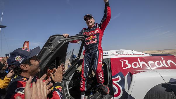 Carlos Sainz és Lucas Cruz a Dakar-rali győztes autósai