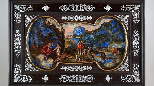 Igazán különleges, drágakőre készült festményt mutattak be Budapesten