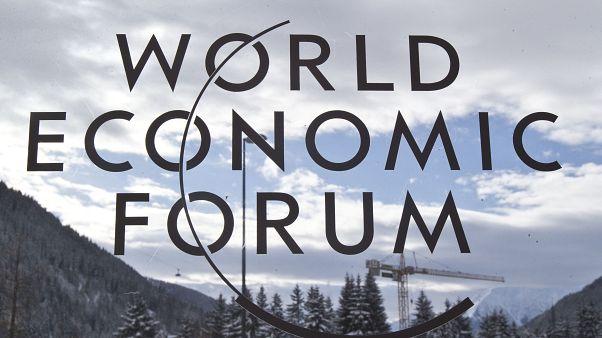 شعار لمنتدى دافوس العالمي
