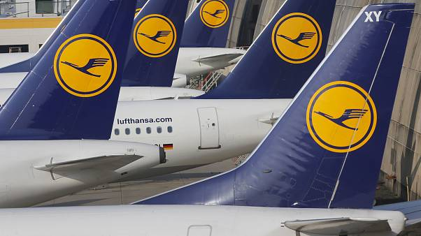 طائرات تابعة لشركة لوفتهانزا في مطار فرانكفورت بألمانيا
