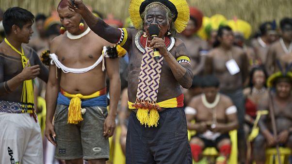 "Indígenas acusam Bolsonaro de ""genocídio, etnocídio e ecocídio"""