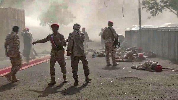 حمله به پایگاه نیروهای دولتی یمن (آرشیو)