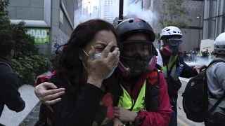 Tüntetés, erőszakos rendőri fellépés Hongkongban