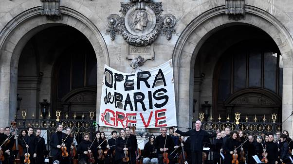 Striking Paris Opera holds free open-air concert