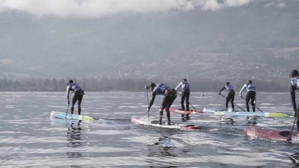 Stehpaddeln in Annecy: Kalt, nass und schnell