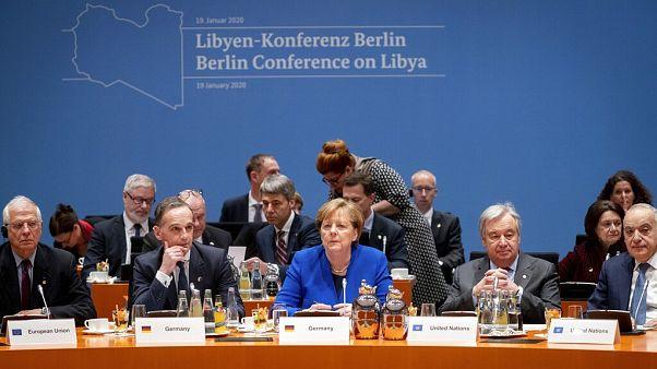 Libya'da kalıcı ateşkes ve siyasi sürecin başlatılması amacıyla Berlin'de düzenlenen uluslararası konferansta katılımcılar kalıcı ateşkes için anlaşmaya vardı