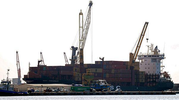 Hafter'e bağlı güçler, yurt dışına petrol ihraç eden limanları kapattı