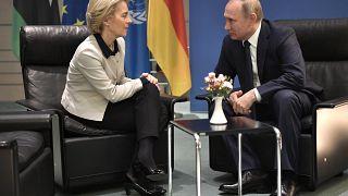 La présidente de la commission européenne Ursula von der Leyen et le président russe Vladimir Poutine, à Berlin (Allemagne), le 19/01/2020 - photo d'archives