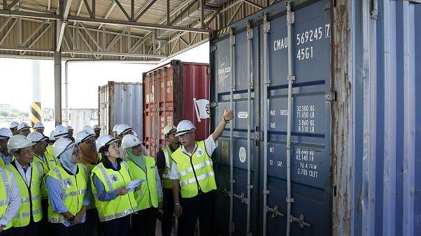 Malezya plastik atıkları geldikleri ülkeye geri gönderdi