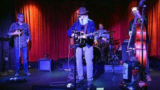 Amerikalı şarkıcı David Olney son nefesini sahnede verdi