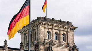 القضاء الألماني يبدأ محاكمة مترجم للجيش متهم بالتجسس لصالح إيران