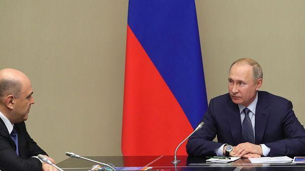 Rusya Devlet Başkanı Vladimir Putin ülkenin yeni Başbakanı Mihail Mişustin ile birlikte.