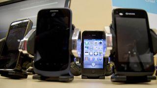 عرض لبعض الهواتف المحمولة