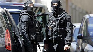Fransa'da terör hazırlığında olduğu belirtilen 7 kişi gözaltına alındı