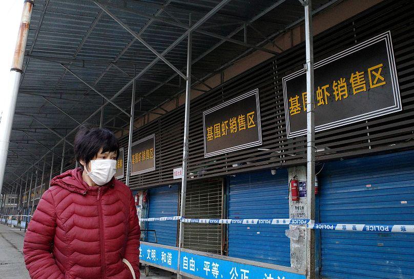 Virus en Chine : l'OMS annonce prolonger d'une journée sa réunion d'urgence